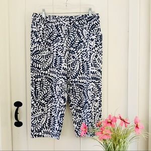 TALBOTS Navy & White Abstract Cropped Capri Pants